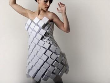 Κάθε σχήμα εμπνέει ένα φόρεμα f5ff23d6339