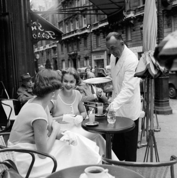 Twin sisters  in Paris, 1955